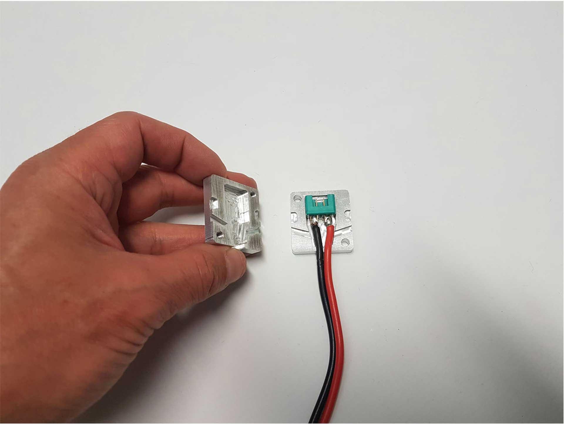 ROBBE CNC GIESSFORM ALU MPX STECKER 8-POL