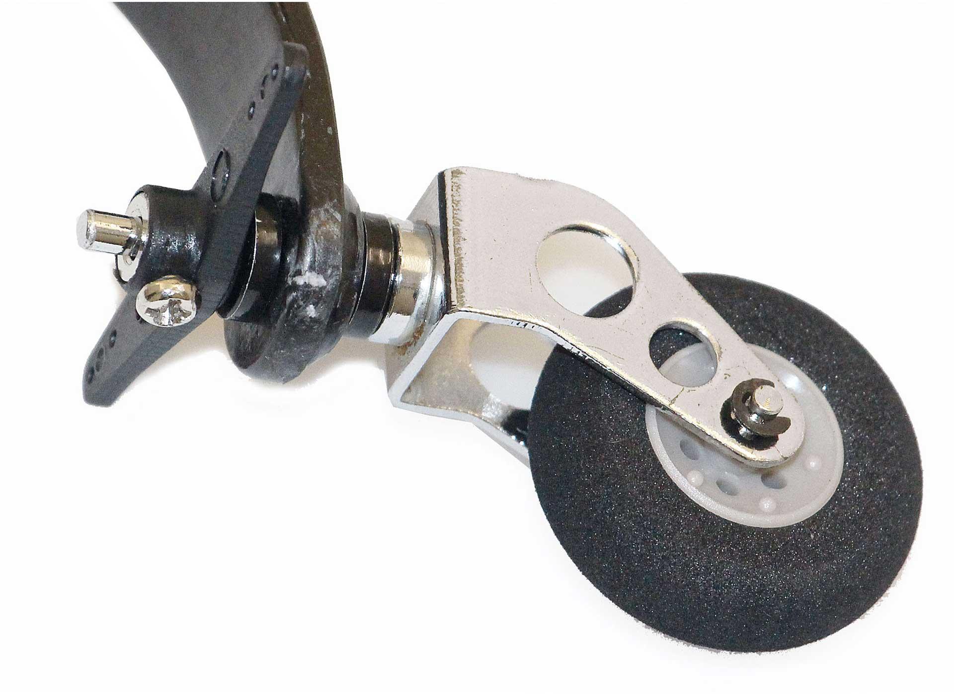 Robbe Heckfahrwerk Carbon mittel lenkbar mit Rad 30mm