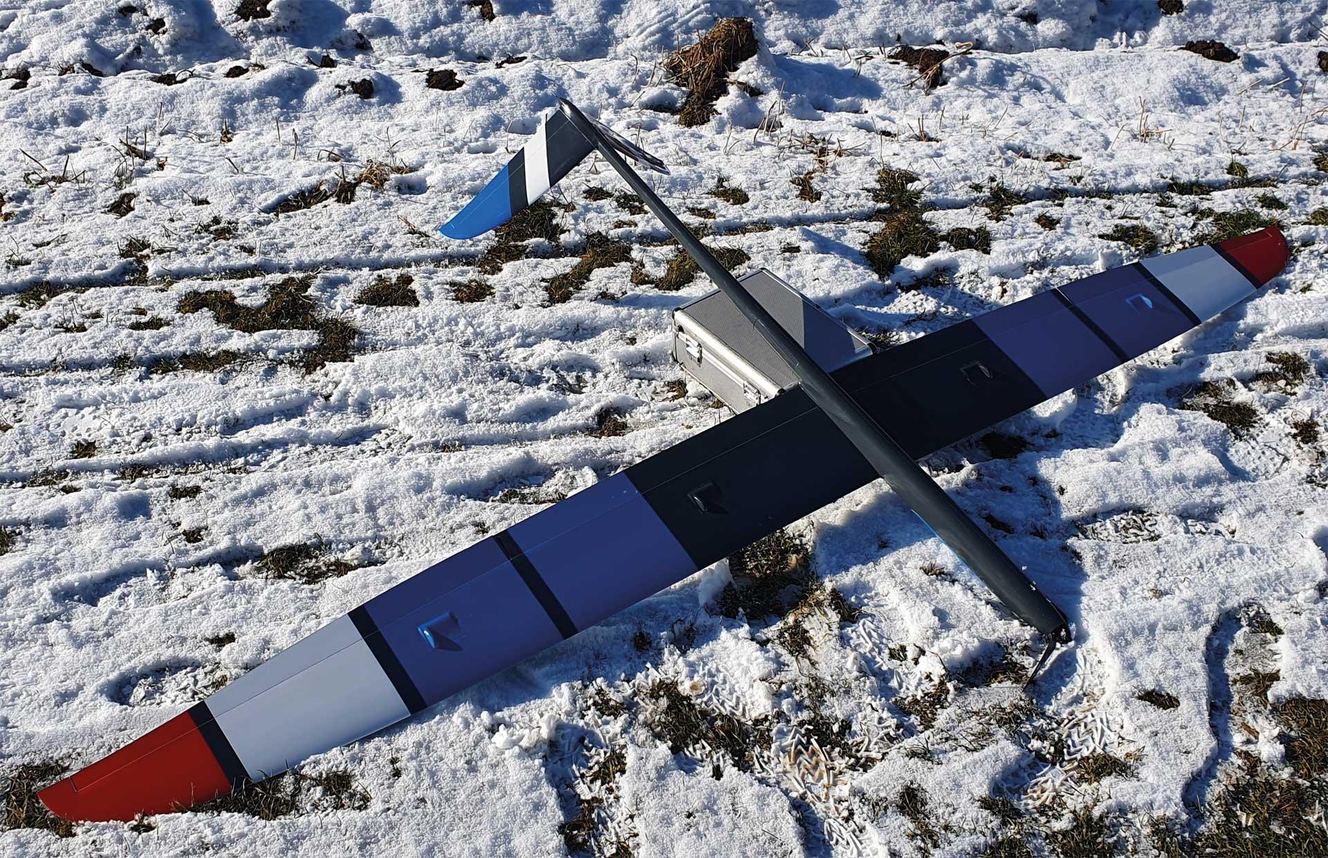 Robbe Modellsport AVALANCHE ARF FULL-GFK/CFK 2,8M ELECTRIC