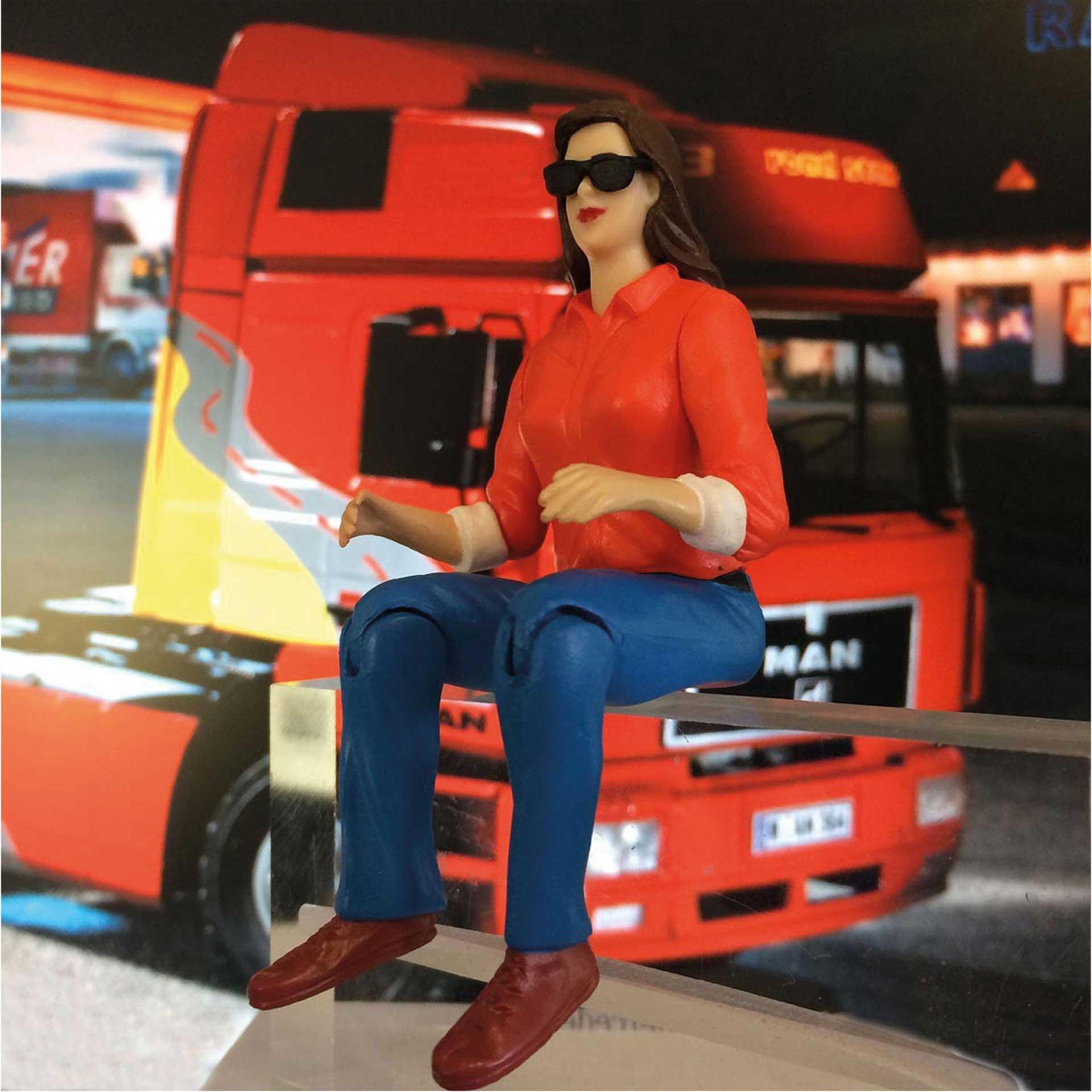 ROBBE Truck-Figur weiblich mit SONNENBRILLE