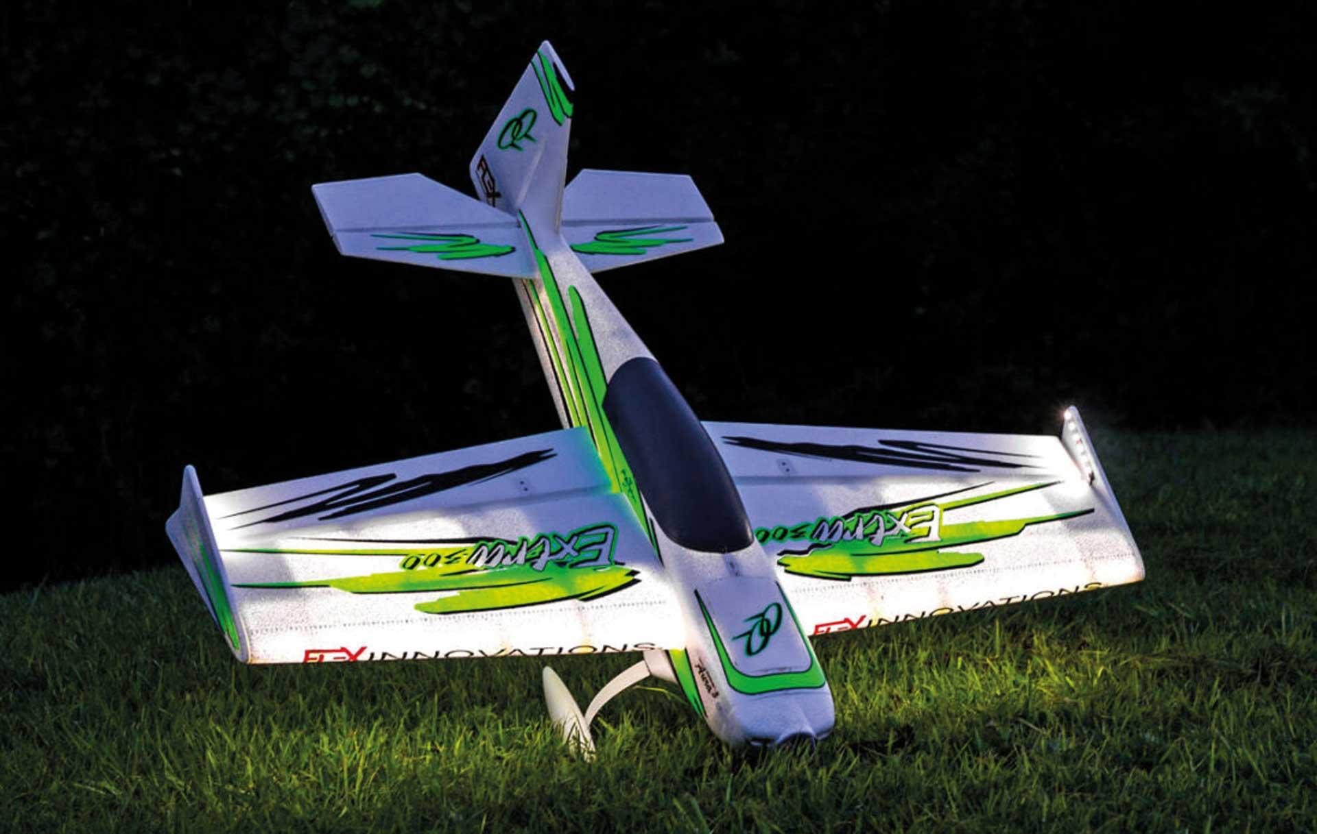 PREMIER AIRCRAFT QQ EXTRA 300 V2 ROT/SCHWARZ NIGHT SUPER PNP MIT LED BELEUCHTUNG UND AURA 8