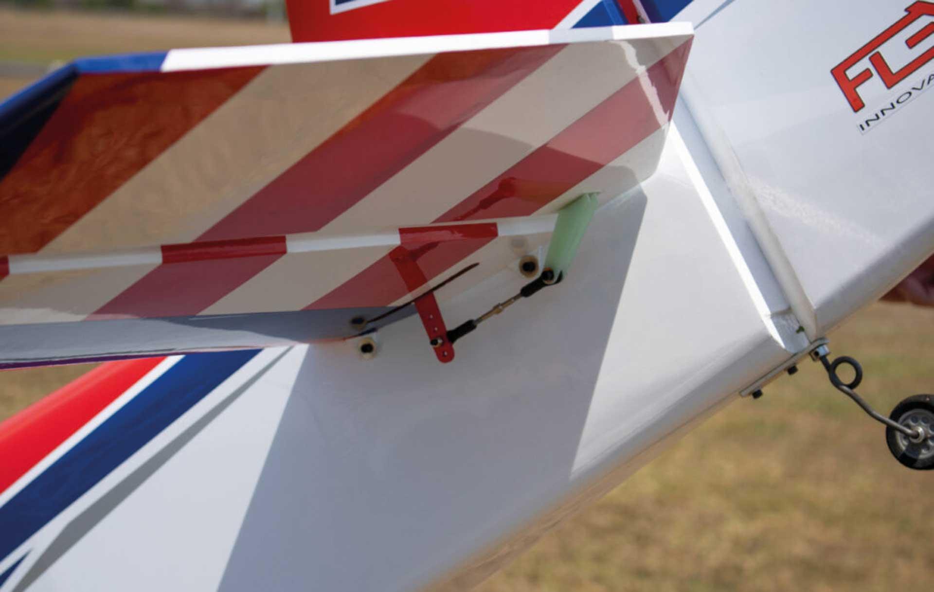 PREMIER AIRCRAFT RV-8 70cc ARF # 8 rot/blau